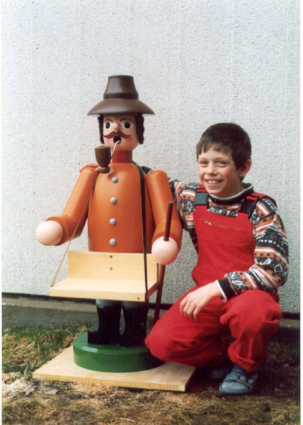 5 Räuchermann mit Bauchladen 100 cm